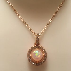 ❤️- SS Fire white opal rose gold Pendant neckl…